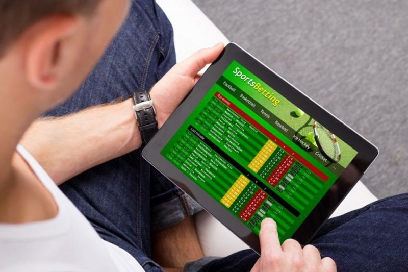 ON-LINE SPORTING ACTIVITIES WAGERING SOFTWARE APPLICATION